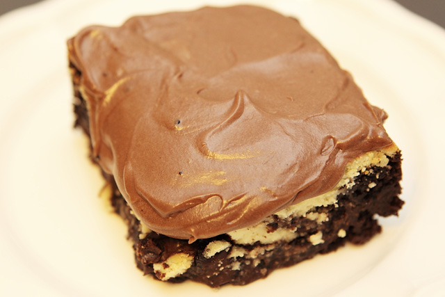 Frosted cream cheese brownie 1 luv bakery for Chocolate fudge cream cheese frosting